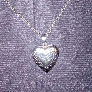 Jewelry - Silver locket